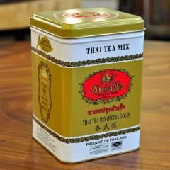 Thai Tea Mix Gold in originaler Dose, leckerer Thai Tee zum Servieren auf Eis